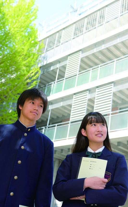 桐光学園中学校・高校の生徒達(男子・女子)